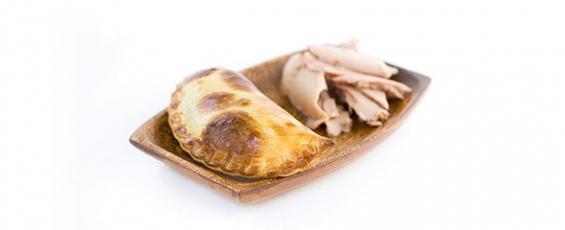 Empanada argentina de tonyina